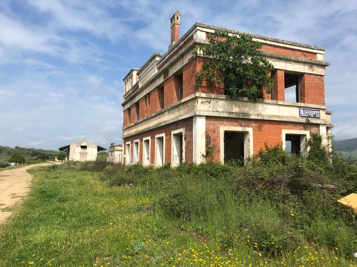 Estación de tren en Villuercas, vía verde de las villuercas