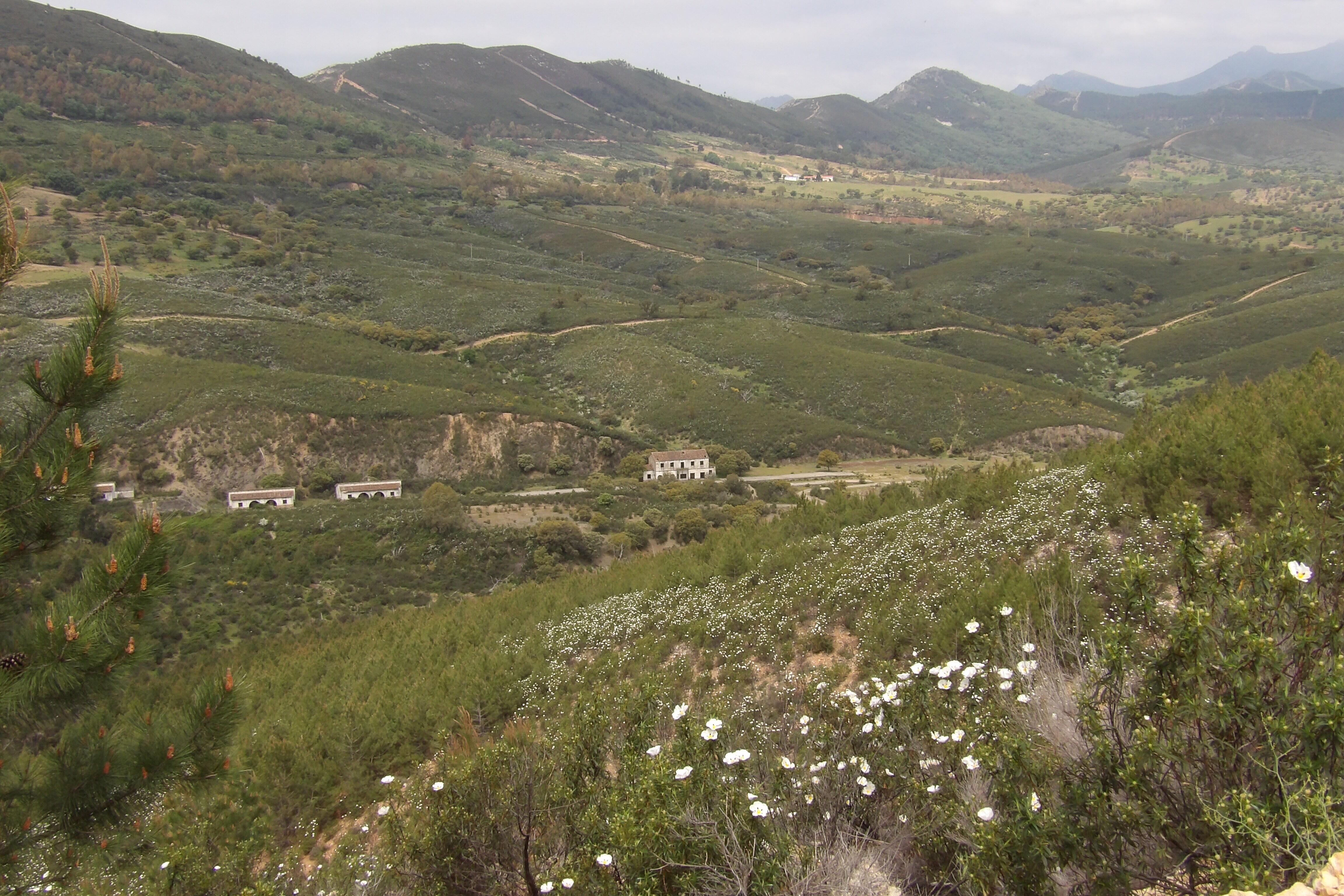 Estación de tren desmantelada en El Geoparque de Las Villuercas